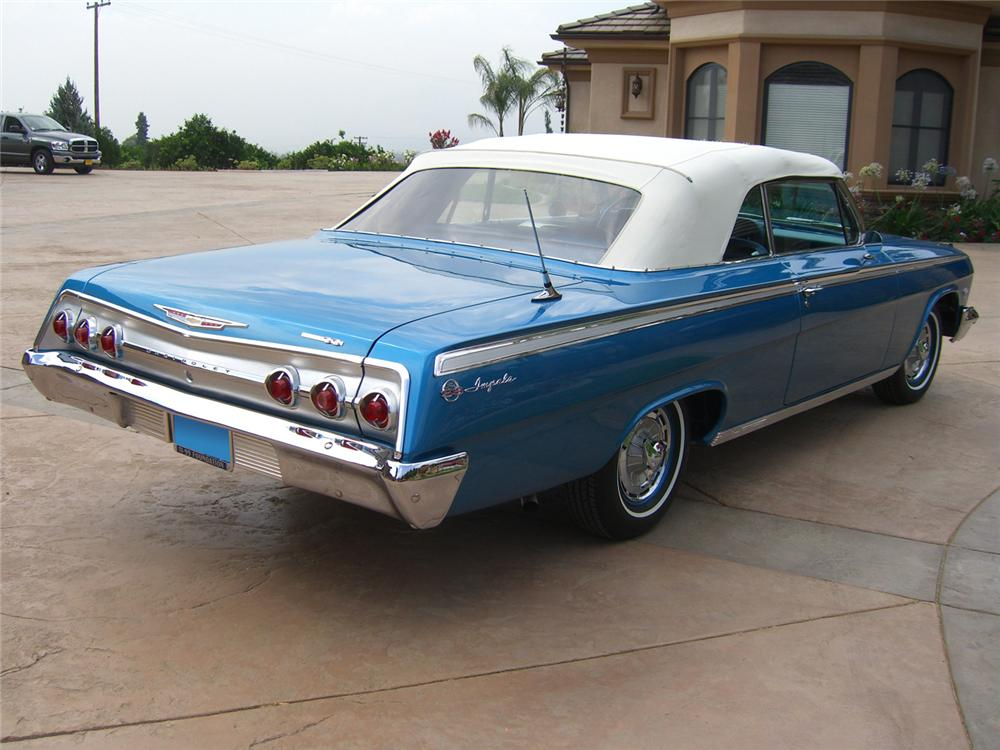 1962 CHEVROLET IMPALA SS 409 CONVERTIBLE - Rear 3/4 - 65869