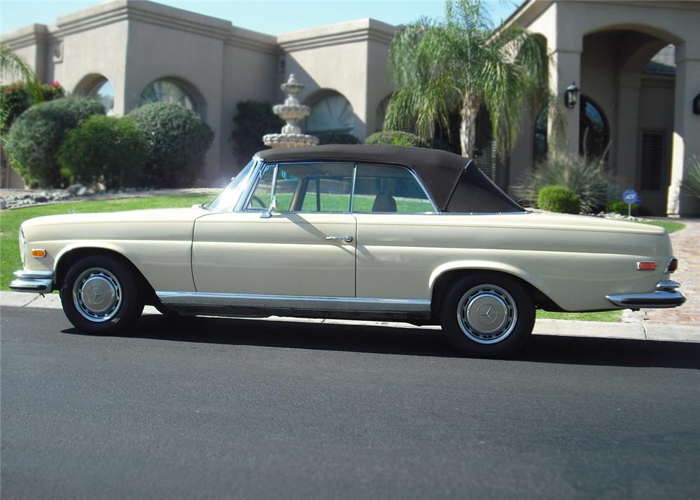 1970 MERCEDES-BENZ 280SE CONVERTIBLE - Side Profile - 65871