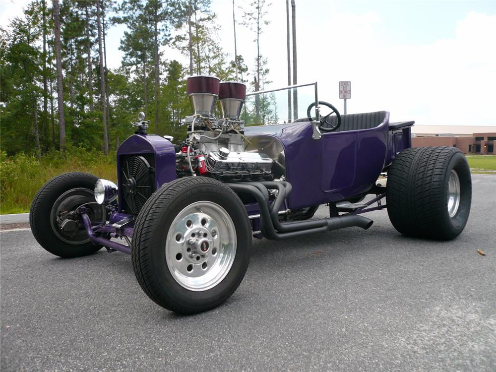 1922 FORD T-BUCKET CUSTOM - Front 3/4 - 65944