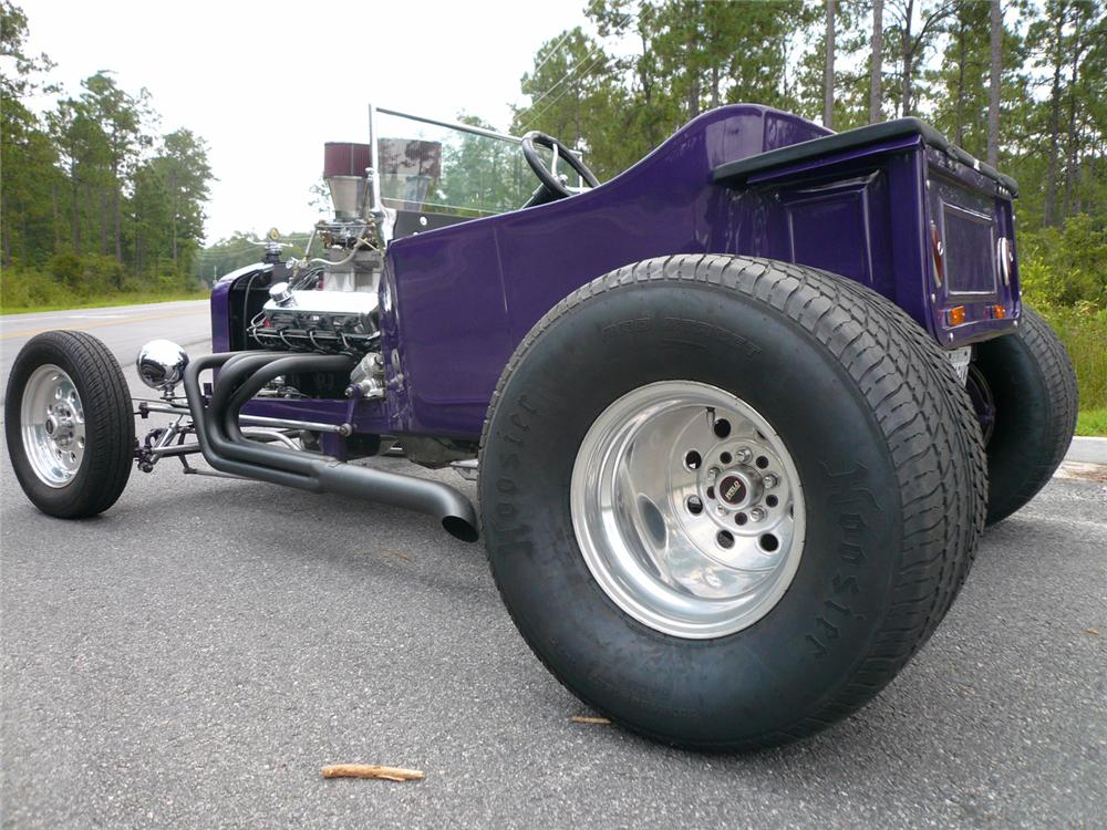 1922 FORD T-BUCKET CUSTOM - Rear 3/4 - 65944
