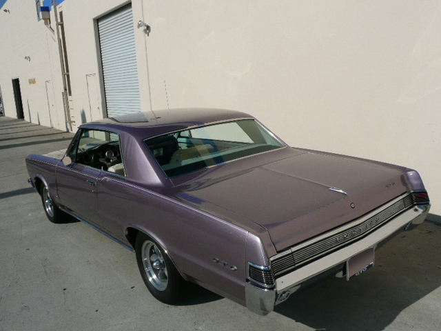 1965 PONTIAC GTO 2 DOOR HARDTOP - Rear 3/4 - 65969