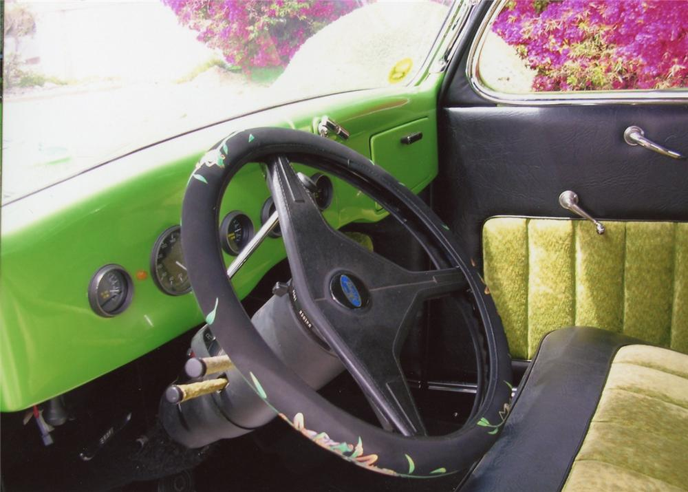 1935 FORD 5 WINDOW COUPE - Interior - 65970