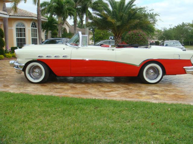 1956 BUICK ROADMASTER CONVERTIBLE - Side Profile - 66007