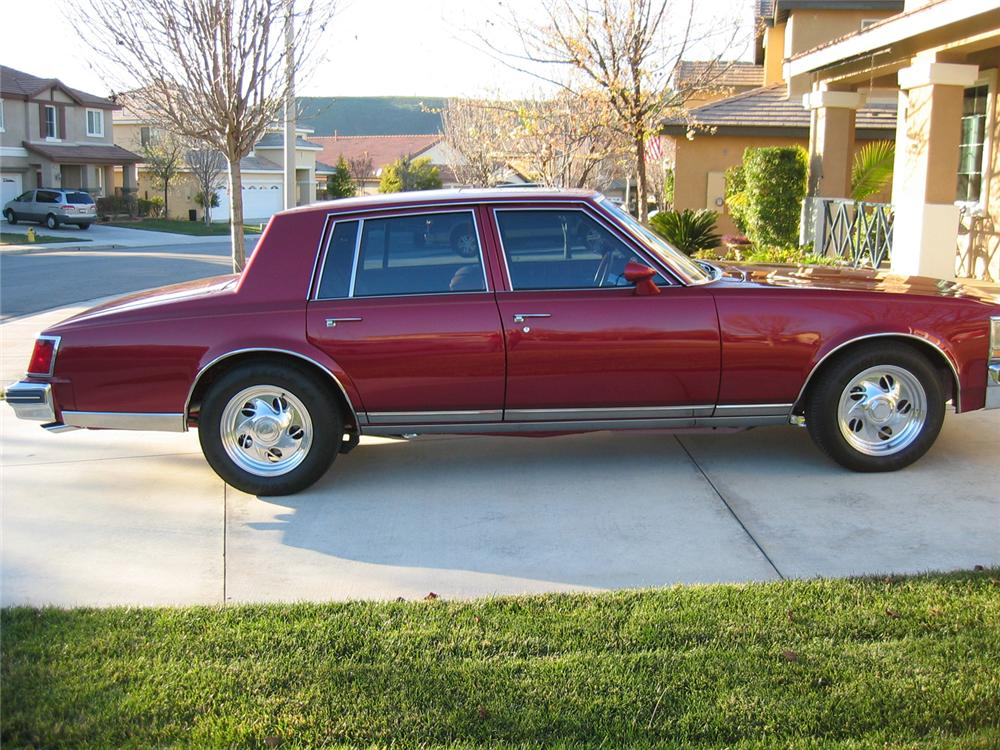 1979 CADILLAC SEVILLE CUSTOM 4 DOOR SEDAN - Front 3/4 - 66029