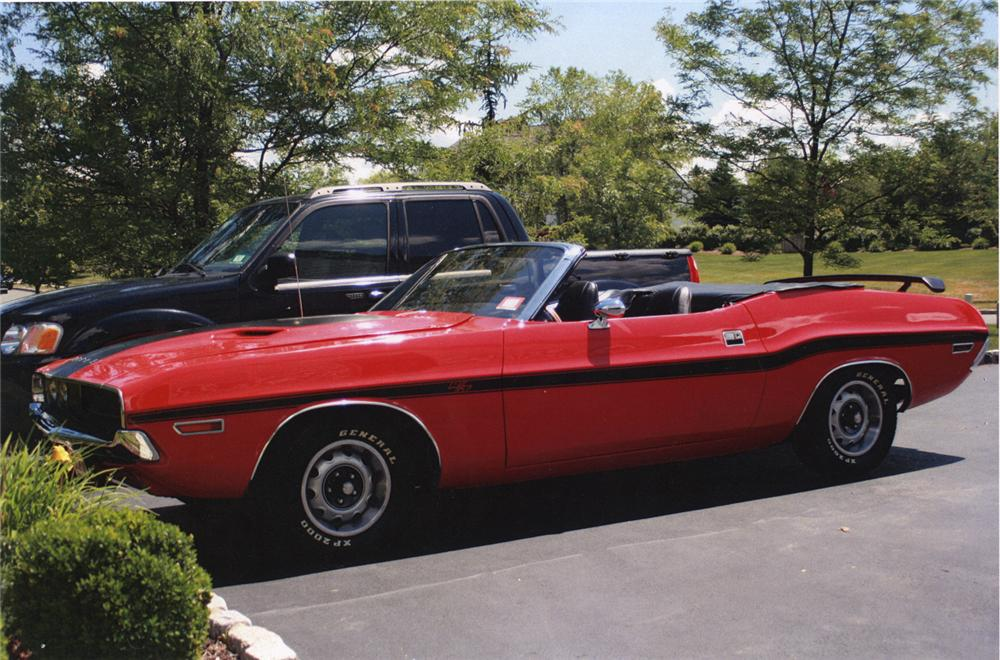 1970 DODGE CHALLENGER CONVERTIBLE - Front 3/4 - 66030
