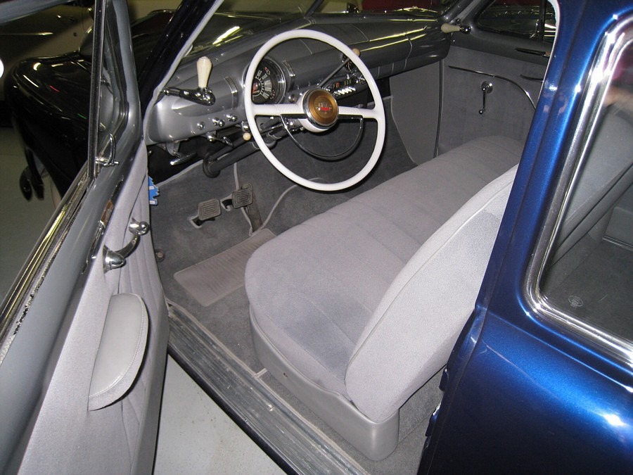 1949 FORD CUSTOM DELUXE 2 DOOR SEDAN - Interior - 66034