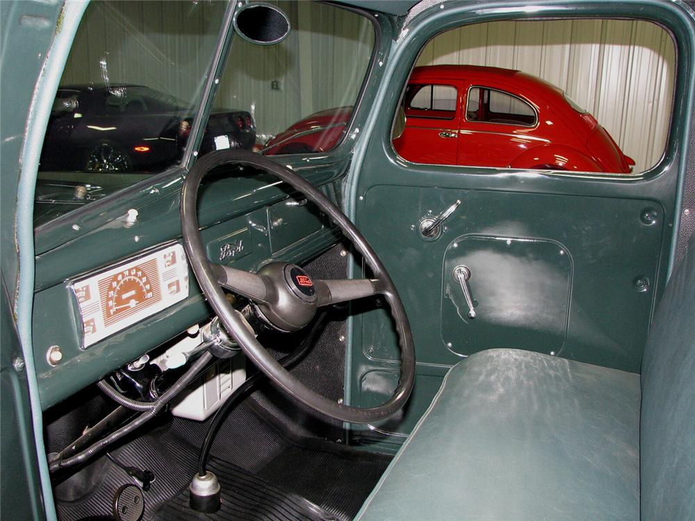 1940 FORD PICKUP - Interior - 66036