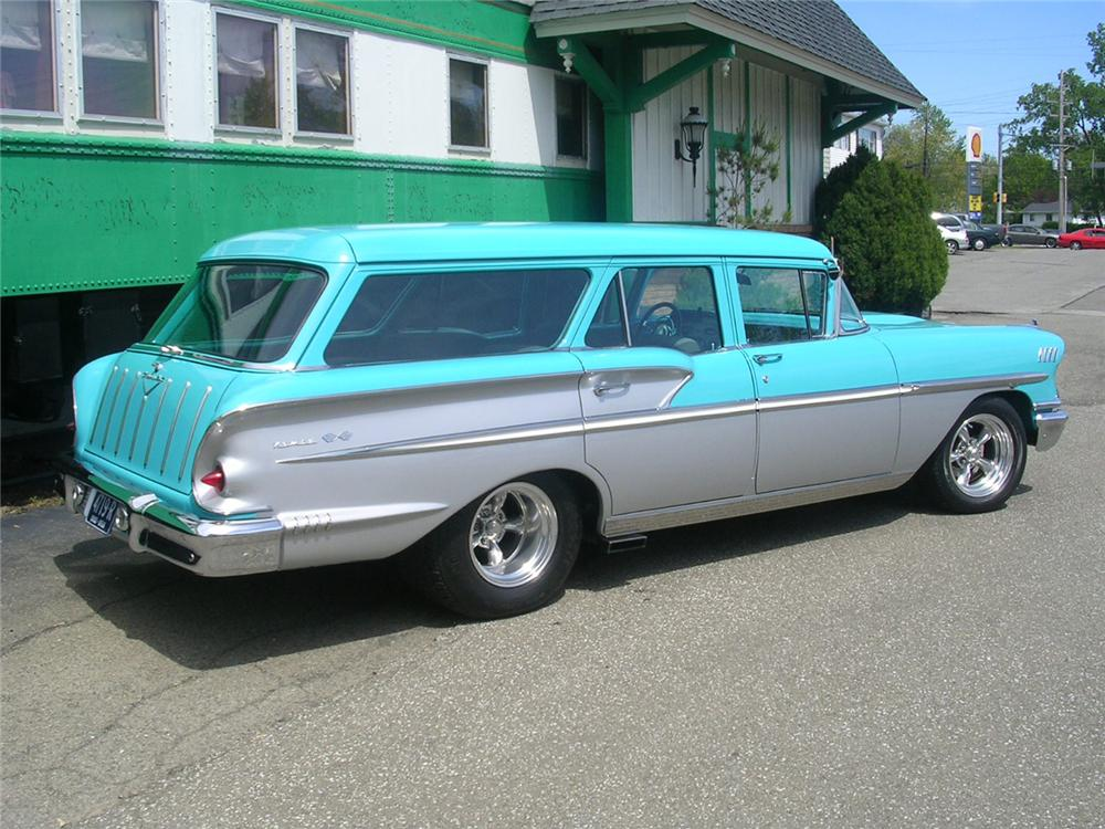 1958 CHEVROLET NOMAD CUSTOM STATION WAGON - Rear 3/4 - 66070