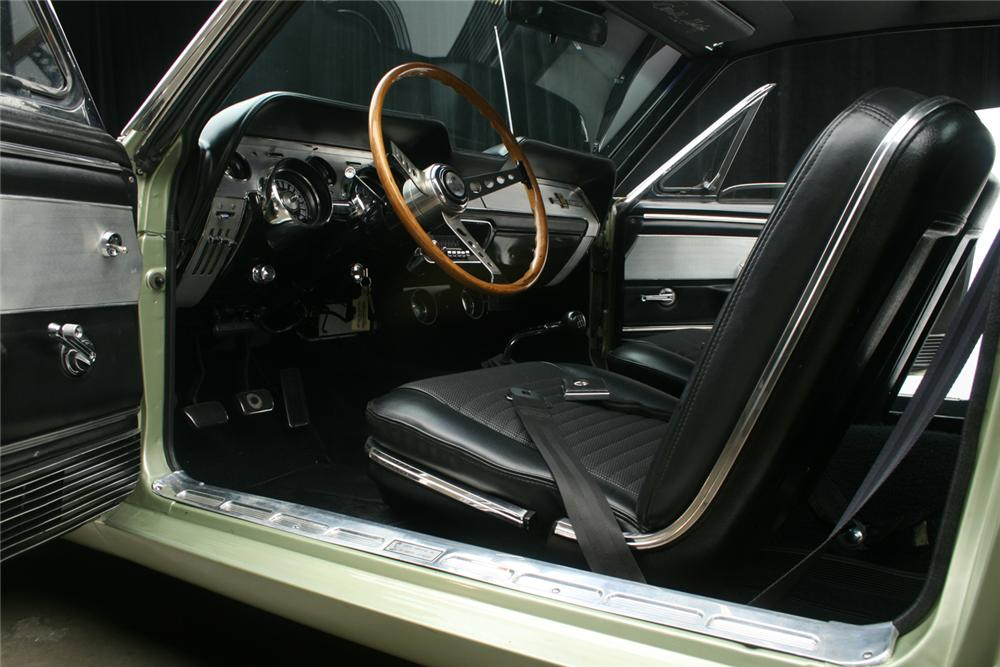 1967 FORD MUSTANG CUSTOM FASTBACK - Interior - 66073