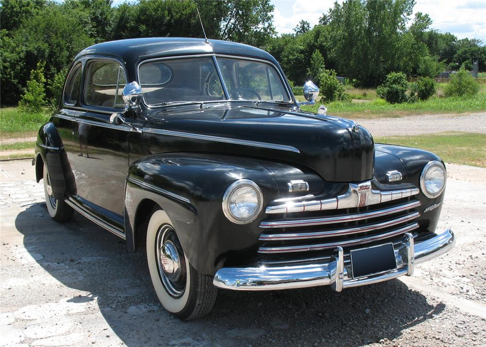 1946 FORD SUPER DELUXE COUPE - Front 3/4 - 66076