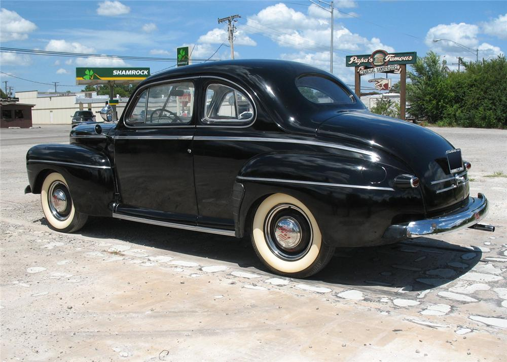 1946 FORD SUPER DELUXE COUPE - Rear 3/4 - 66076