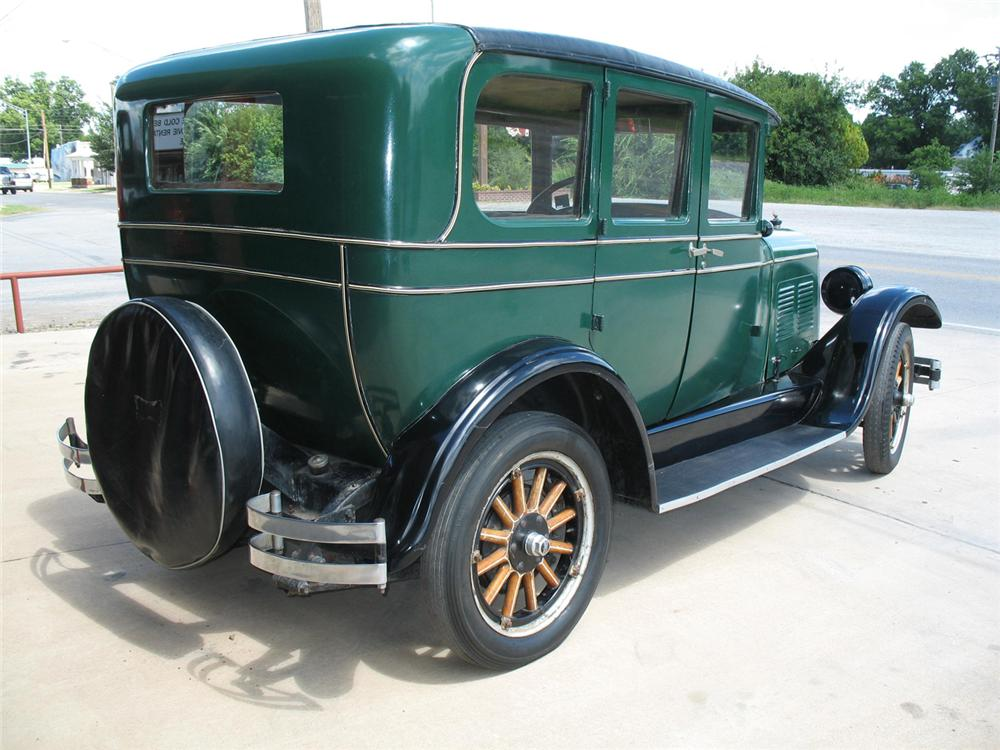 1927 CHANDLER STANDARD 6 4 DOOR SEDAN - Rear 3/4 - 66077