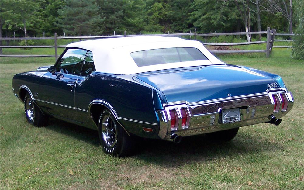 1970 OLDSMOBILE 442 CONVERTIBLE - Rear 3/4 - 66110