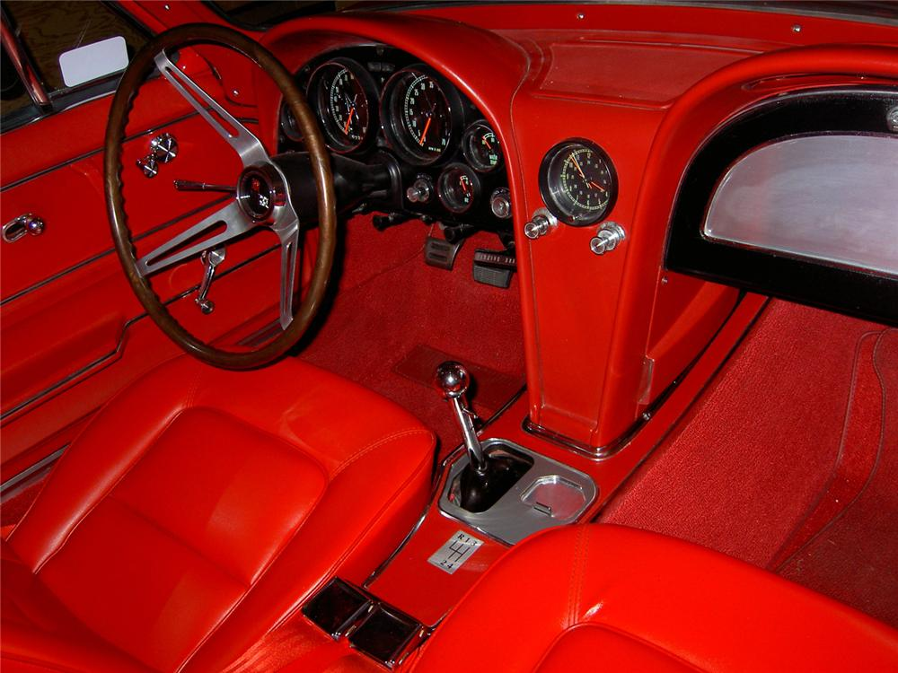 1965 CHEVROLET CORVETTE COUPE - Interior - 66119