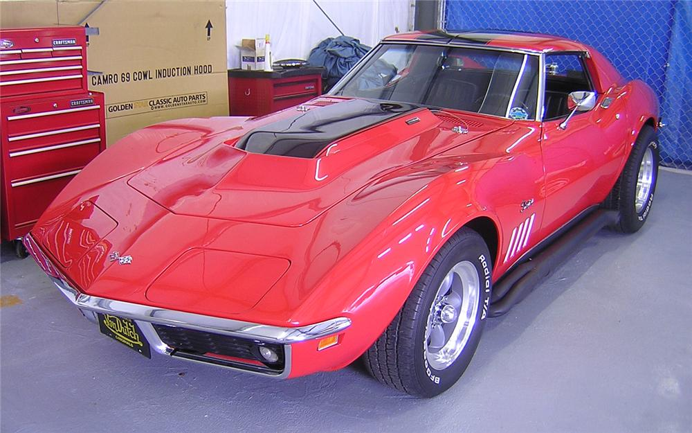1969 CHEVROLET CORVETTE CUSTOM COUPE - Front 3/4 - 66127