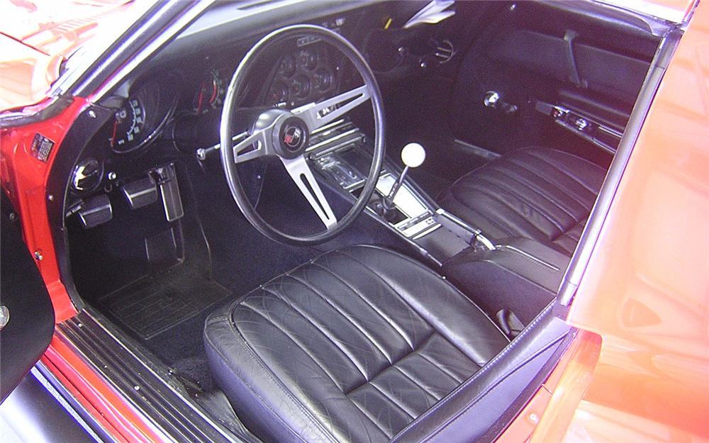 1969 CHEVROLET CORVETTE CUSTOM COUPE - Interior - 66127