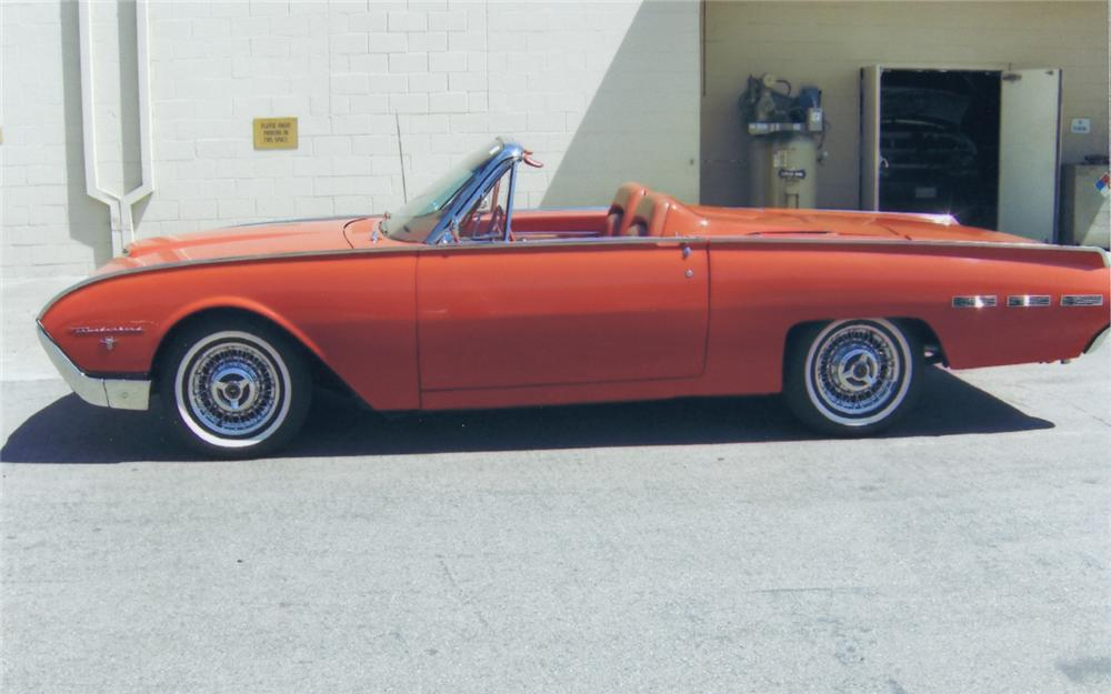 1962 FORD THUNDERBIRD 2 DOOR ROADSTER - Side Profile - 66142