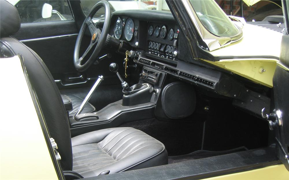 1971 JAGUAR XKE SERIES II ROADSTER - Interior - 66153