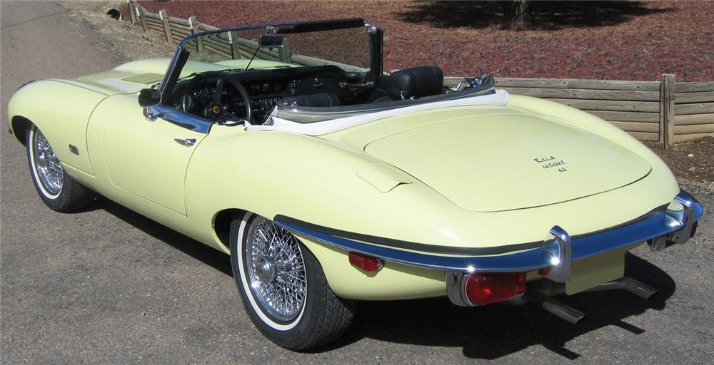 1971 JAGUAR XKE SERIES II ROADSTER - Rear 3/4 - 66153