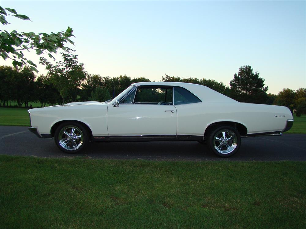 1967 PONTIAC GTO 2 DOOR HARDTOP - Side Profile - 66163