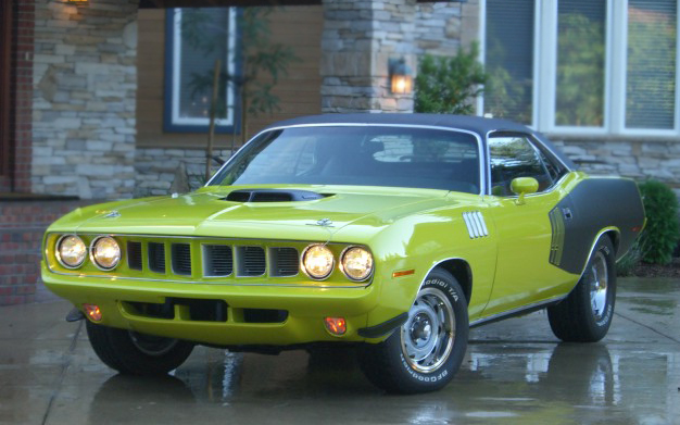 1971 PLYMOUTH CUDA COUPE - Front 3/4 - 66176