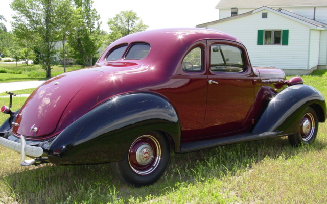 1937 HUDSON TERRAPLANE 2 DOOR COUPE - Rear 3/4 - 66179