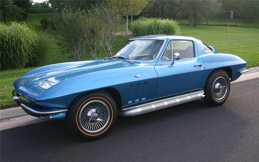 1966 CHEVROLET CORVETTE COUPE - Front 3/4 - 66193