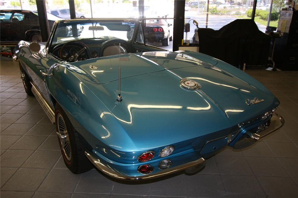 1965 CHEVROLET CORVETTE CONVERTIBLE - Rear 3/4 - 66210