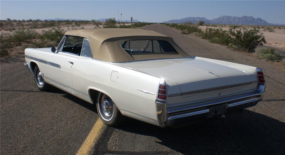 1963 PONTIAC PARISIENNE CONVERTIBLE - Rear 3/4 - 66235