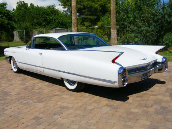 1960 CADILLAC SERIES 62 2 DOOR HARDTOP - Rear 3/4 - 66246