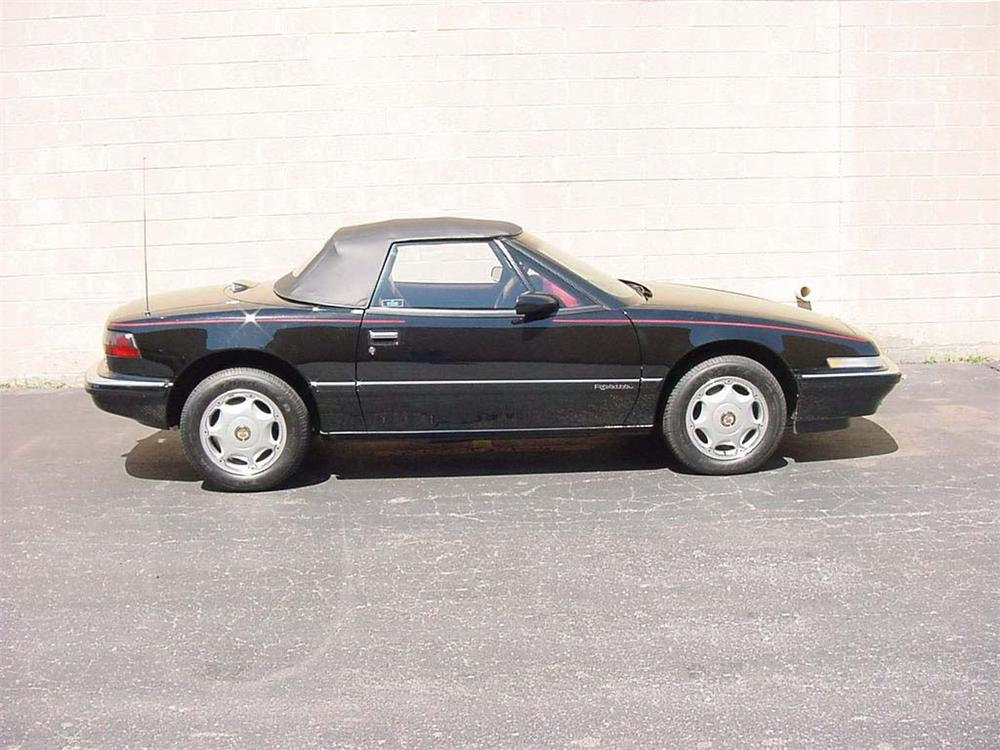 1991 BUICK REATTA CONVERTIBLE - Front 3/4 - 66249