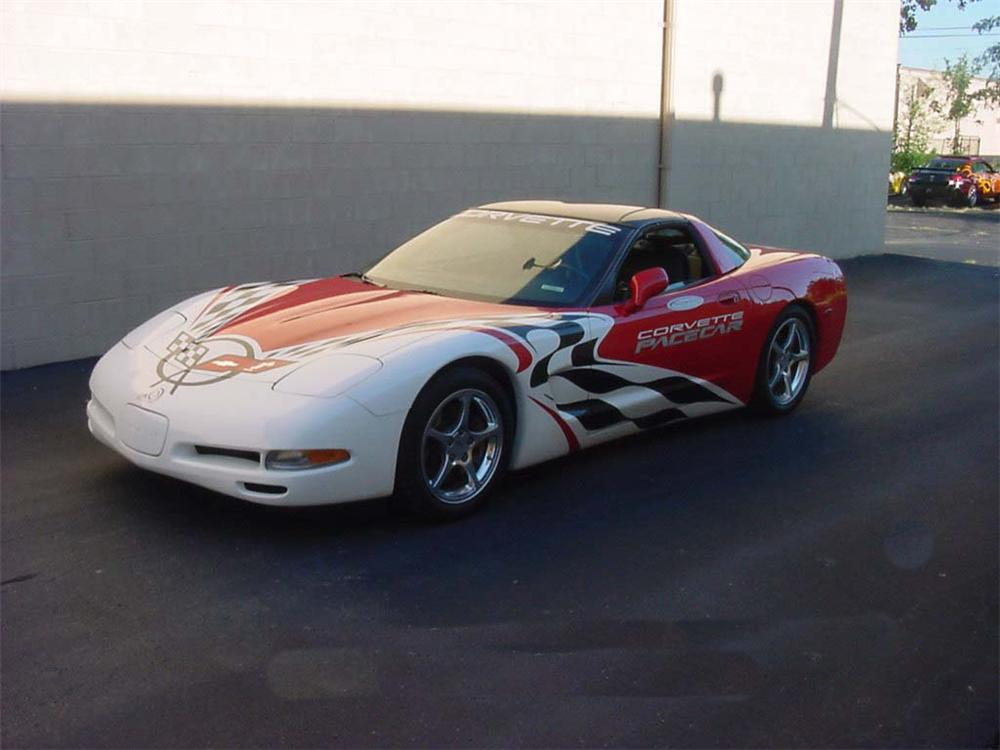 1999 CHEVROLET CORVETTE COUPE 24 HRS OF LEMANS PACE CAR - Front 3/4 - 66253