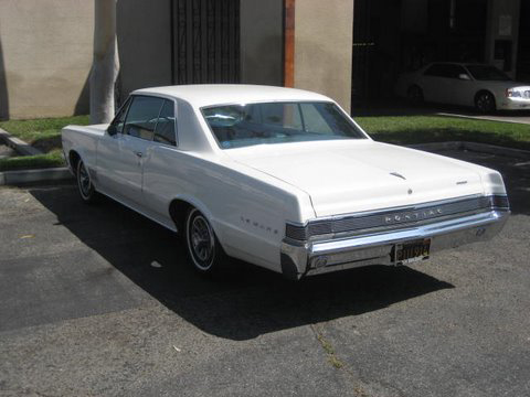 1965 PONTIAC LEMANS 2 DOOR HARDTOP - Rear 3/4 - 66334