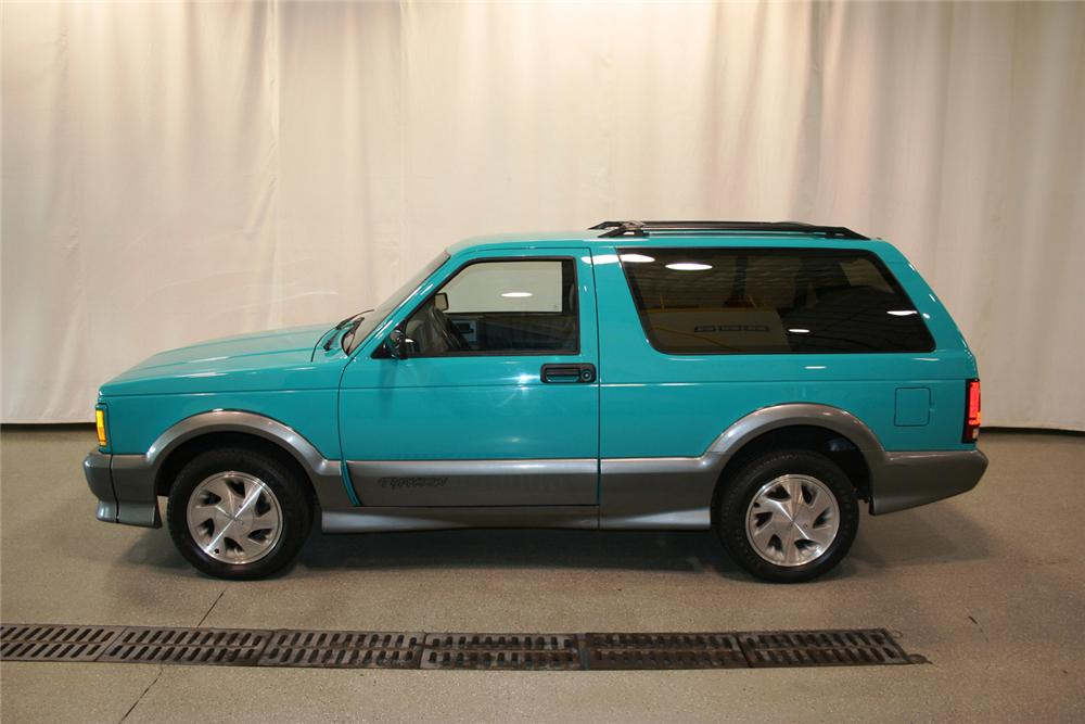 1992 GMC TYPHOON 2 DOOR - Side Profile - 66353