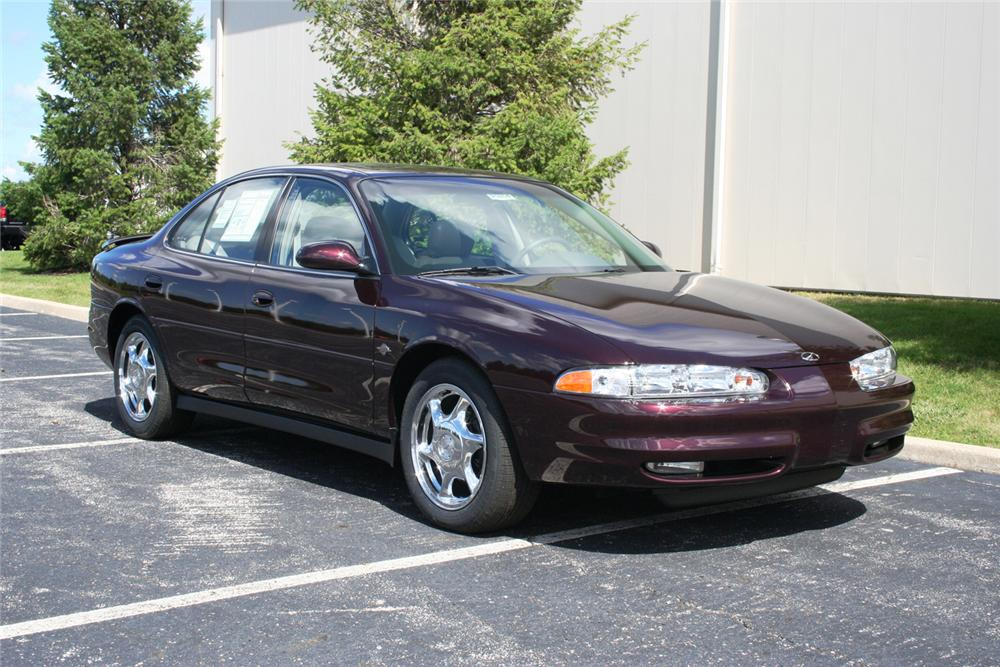 "2002 OLDSMOBILE INTRIGUE GL SEDAN ""THE FINAL 500"" - Front 3/4 - 66354"