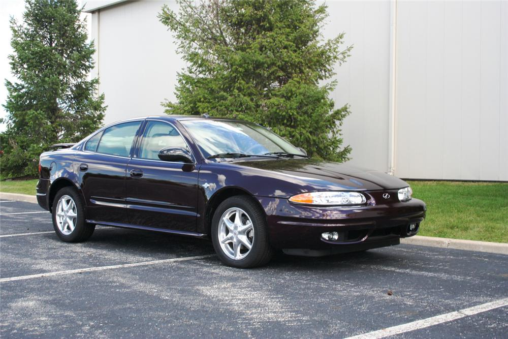 "2004 OLDSMOBILE ALERO GLS SEDAN ""THE FINAL 500"" - Front 3/4 - 66357"