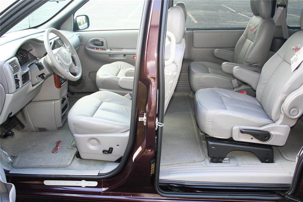 "2004 OLDSMOBILE SILHOUETTE PREMIERE ""THE FINAL 500"" - Interior - 66360"