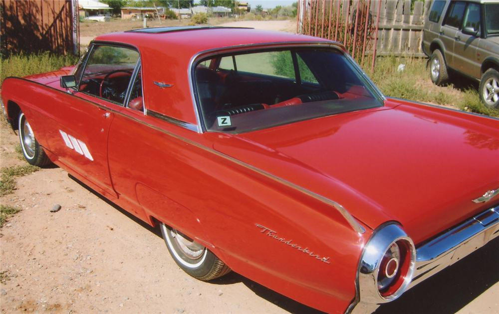 1963 FORD THUNDERBIRD HARDTOP - Front 3/4 - 66412