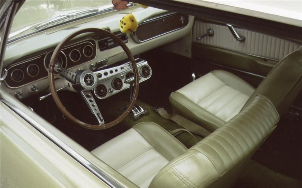 1965 FORD MUSTANG COUPE - Interior - 66483