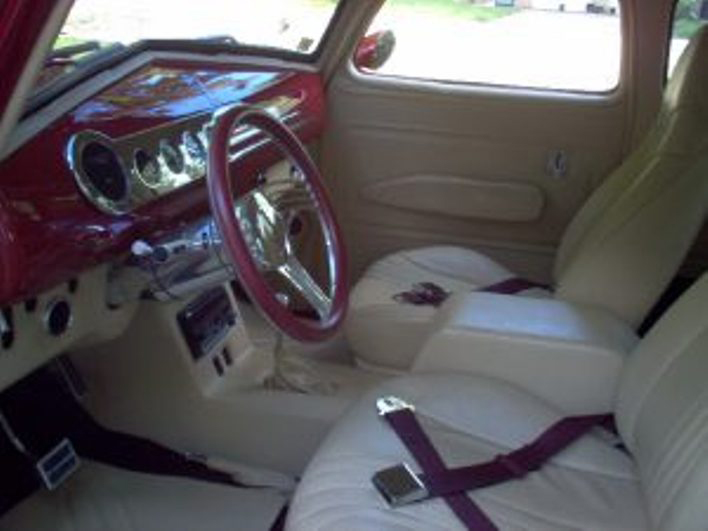 1948 CHEVROLET SUBURBAN CARRYALL CUSTOM - Interior - 66504