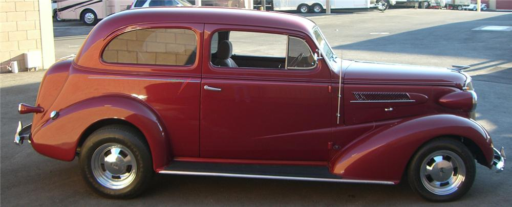 1937 CHEVROLET CUSTOM 2 DOOR SEDAN - Side Profile - 66505