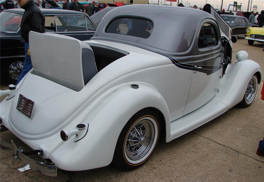 1935 FORD 3 WINDOW CUSTOM COUPE - Rear 3/4 - 66506