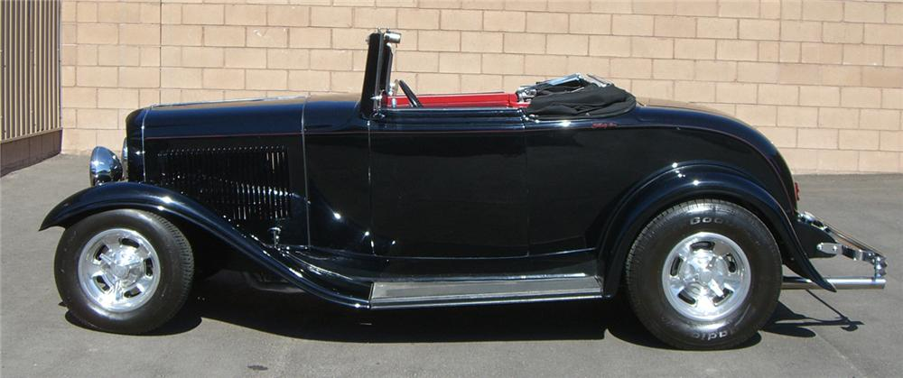 1932 FORD CUSTOM CABRIOLET - Side Profile - 66508