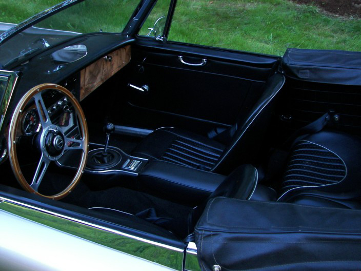 1967 AUSTIN-HEALEY 3000 MARK III BJ8 CONVERTIBLE - Interior - 70605