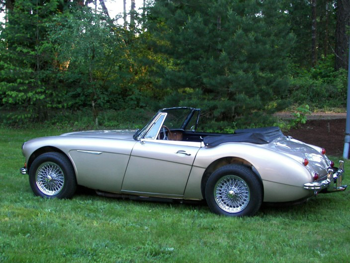 1967 AUSTIN-HEALEY 3000 MARK III BJ8 CONVERTIBLE - Side Profile - 70605