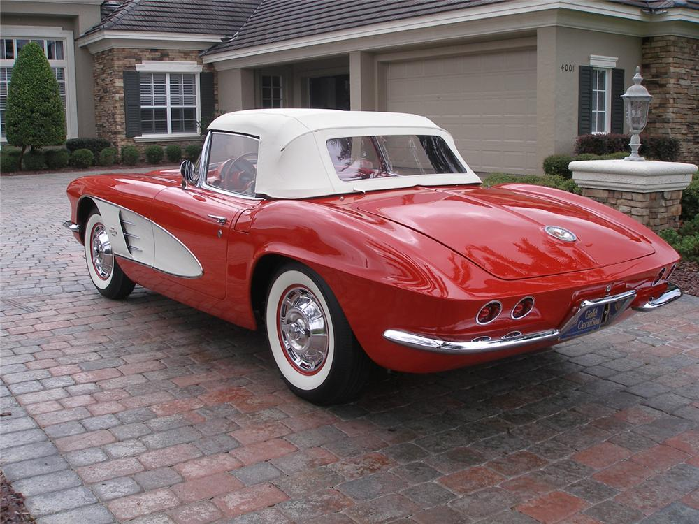 1961 CHEVROLET CORVETTE CONVERTIBLE - Rear 3/4 - 70608