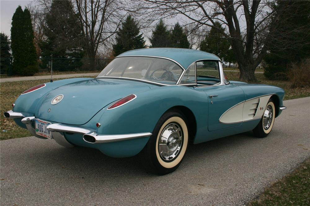 1959 CHEVROLET CORVETTE CONVERTIBLE - Rear 3/4 - 70617