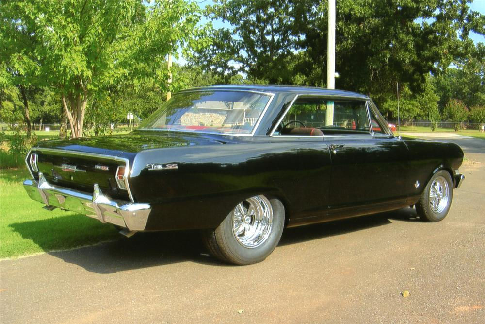 1962 CHEVROLET CHEVY II NOVA CUSTOM 2 DOOR COUPE - Rear 3/4 - 70629
