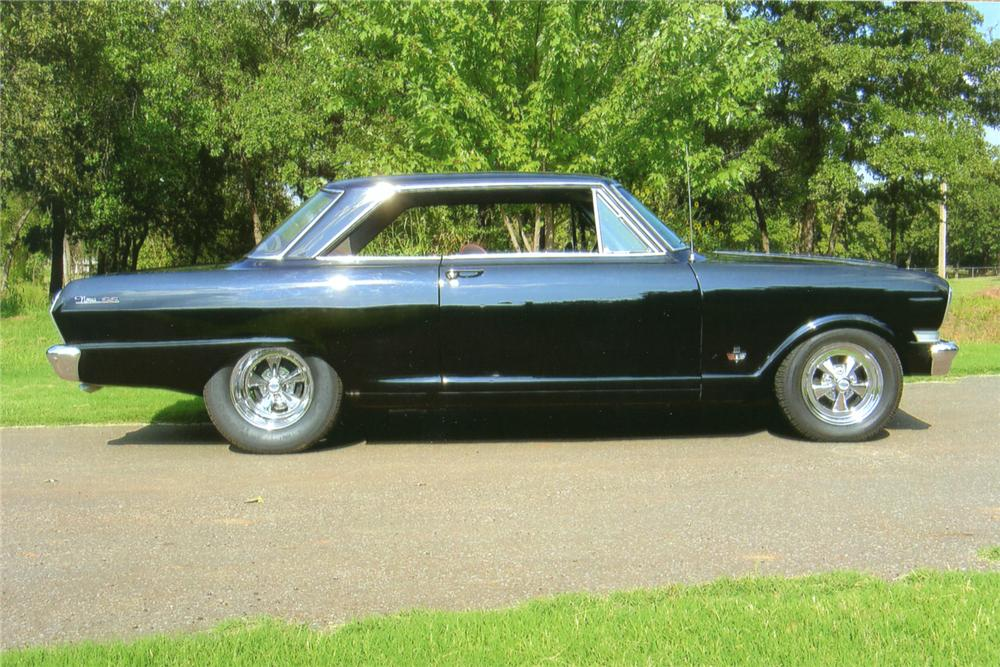 1962 CHEVROLET CHEVY II NOVA CUSTOM 2 DOOR COUPE - Side Profile - 70629