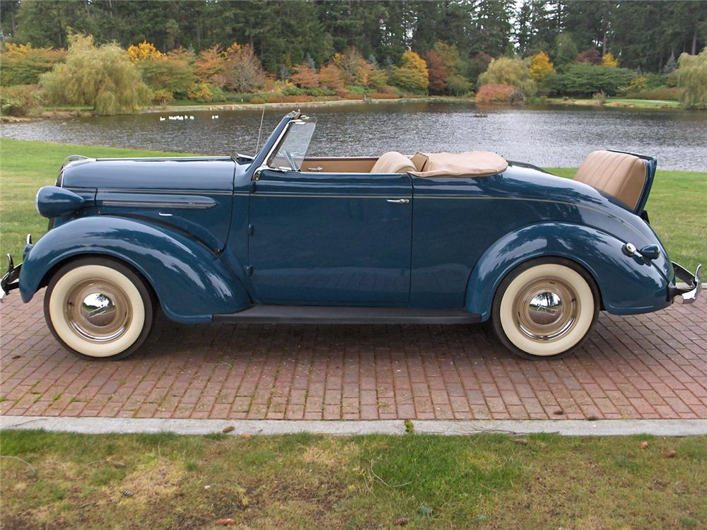 1937 PLYMOUTH ROADSTER DELUXE 2 DOOR CONVERTIBLE - Side Profile - 70635